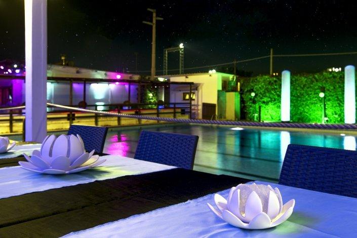 J.T. Cafe' festa in piscina